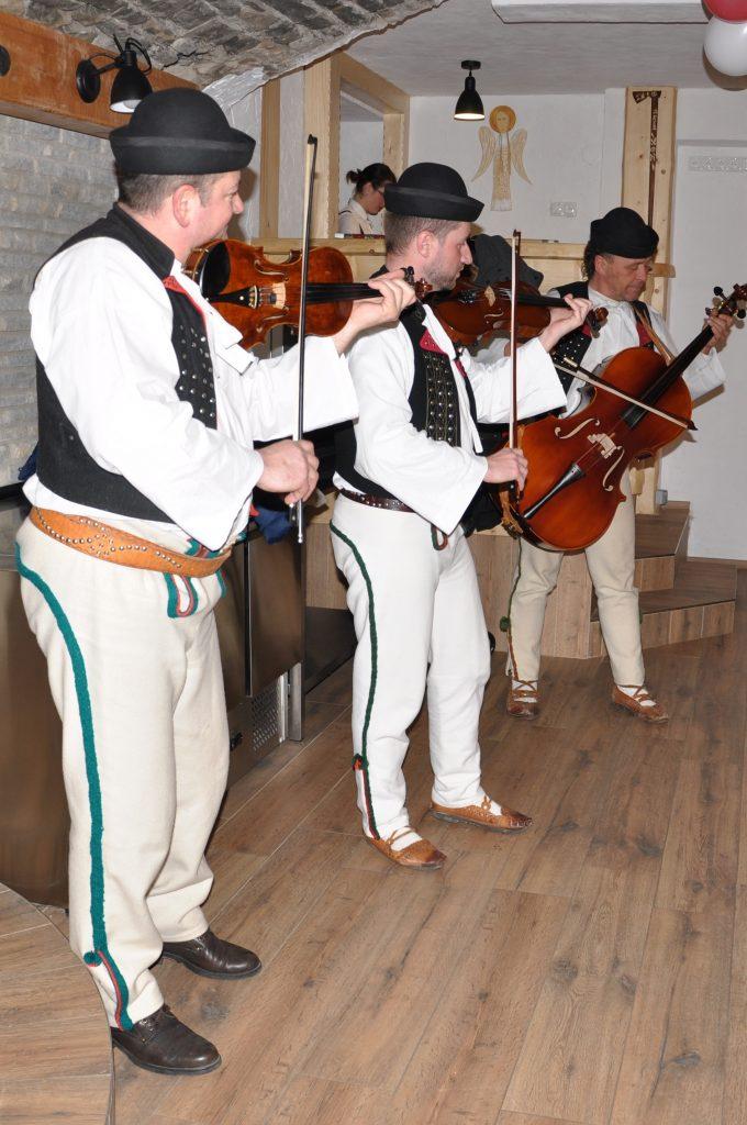 Tradičná terchovská muzika sa postarala o príjemnú zábavu.